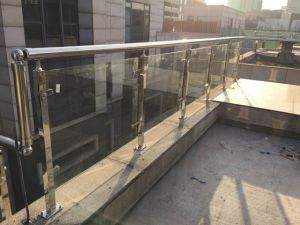 304 Stainless Steel and Tempered Glass Outdoor Handrail pictures & photos