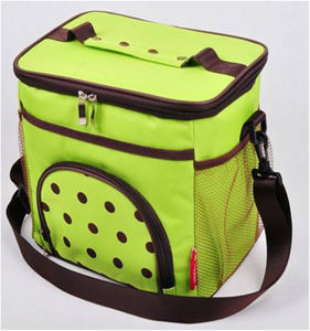 Wholesale Korean Fashion Green Insulated Cooler Bags with Shoulder Strap pictures & photos
