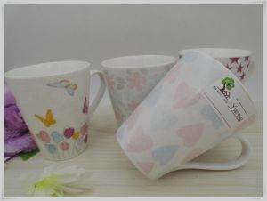 Contracted Style Ceramic Mug pictures & photos