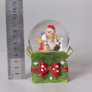 OEM Cute Snowman Design Christmas Snow Globe for Deco pictures & photos