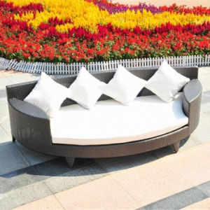 outdoor Indoor Garden Patio Furniture Rattan Daybed Lying Lounger Lounge Bed pictures & photos