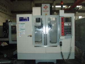 Hard Type Guide Rail CNC Machining Center (VT-636, 700mmX360mm)