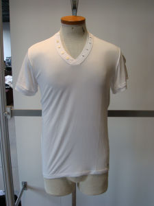 Men′s V Neck Buttton T-Shirt (938)
