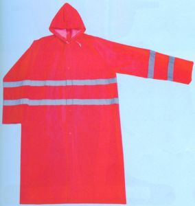 0.32mm Long PVC Raincoat with Reflective Tapes R9095 pictures & photos