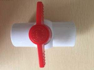 Different Size High Quality PVC Ball Valve (socket & thread) for Water Supply pictures & photos