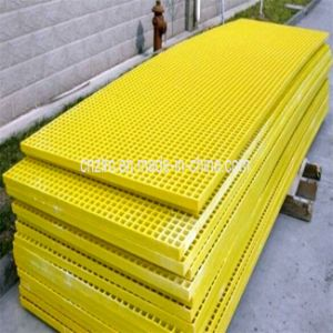 Molded and Pultruded Glassfiber GRP Fiberglass FRP Grating Mesh pictures & photos