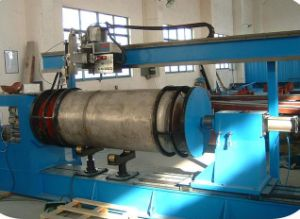 Welding Equipment for Oil Cylinder Welding pictures & photos