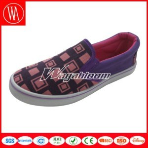 Leisure Canvas Women Shoes Comfort Flat Casual Shoes pictures & photos