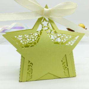Laser Cut Design Classical Hollow Texture Cardboard Magnetic Closure Chocolate Box Supplier pictures & photos