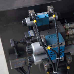 Automatic Pet Plastic Bottle Cap/Preform Injection Molding Machine pictures & photos