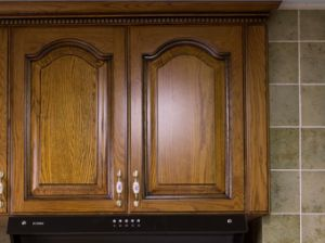 2017 New Design Solid Wood Kitchen Cabinet Yb-1706015 pictures & photos
