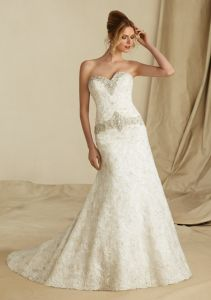 Lace and Embroidery Latest Fashion Style A-Line Wedding Dresses (WMA021) pictures & photos