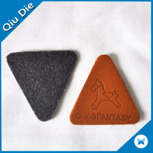 Custom Shoe Patch Triangle Shape Silicon Badge/Plastic Badge/Pin PVC Badge pictures & photos