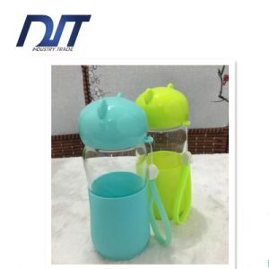 Creative Cartoon Little Bear Portable Lifting Rope Glass Bottle pictures & photos