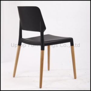 Stacking Black Plastic Chair with Wood Legs (SP-UC398) pictures & photos
