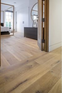 Euro Oak Wide Board / Hardwood Parquet / Engineered Wood Flooring pictures & photos