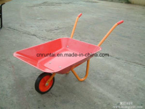Small Children Wheelbarrow with Metal Tray (Wb0100) pictures & photos