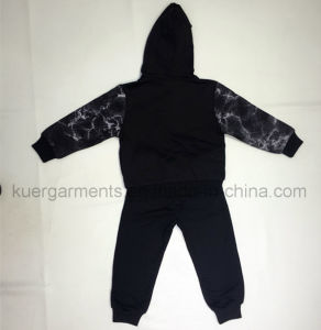 High Quality Casual Long Sleeve Sports Suit in Kids Clothes pictures & photos