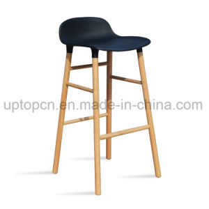 Color Available High Bar Stool with Wooden Leg (SP-UBC329) pictures & photos