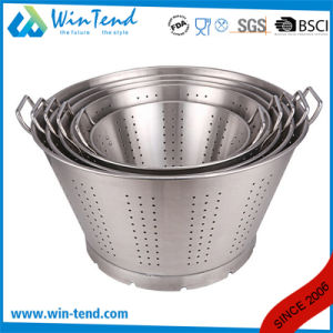 Kitchen Chef Drain Colander with Base and Two Riveted Handle pictures & photos