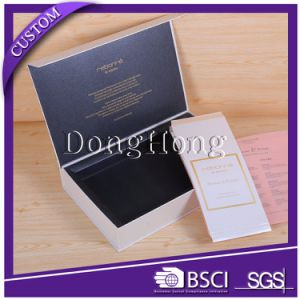 Ribbon Handle Carrying Gift Packaging Paper Folding Box pictures & photos
