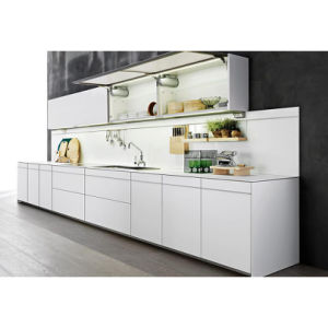 Fashionable Stream-Lined White Lacquer High Lacquer Wooden Kitchen Cabinets pictures & photos