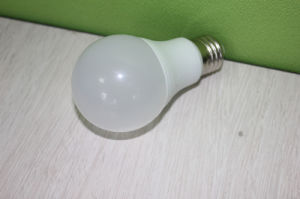Hot Sales 7W E27 7000k A60 LED Bulb Lamp pictures & photos