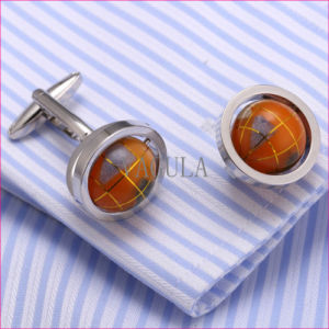 VAGULA Super Quality Cuffs Novelty Globe Cuff Links Gemelos Cufflinks 362 pictures & photos