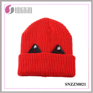 2016 Latest Warm Thick Wool Cap Lovely Lace Rhinestone Ear Knit Hat pictures & photos