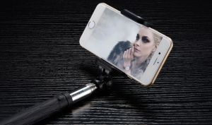 Private Patent Design Wireless Bluetooth Selfie Stick Monopod D10