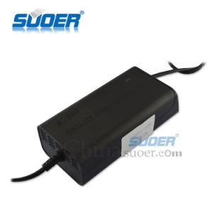 Suoer Three-Phase Charging Mode 5A 12V Battery Charger (SON-1205) pictures & photos