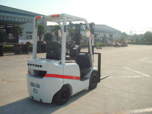 1500kg Diesel Forklift with 2 Stage 3m Mast (FD15T) pictures & photos