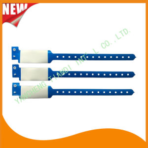 Professional Entertainment Write-on Disposable Plastic Bracelet Wristbands (E8020A-1) pictures & photos