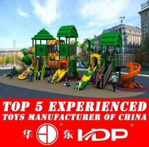 2015 Plastic Material and Outdoor Playground Type Kids Play Equipment Slides (HD15A-021A) pictures & photos