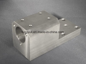 Customized CNC Milling Machining Parts Made of Aluminum pictures & photos
