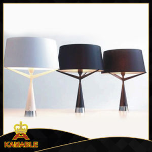 Metal with Fabric Modern Home Decorative Table Lamp (KAT6099) pictures & photos