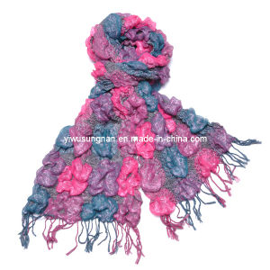 2014 Fashion Lady′s Chunky Ruffle Yarn Bubble Scarves pictures & photos