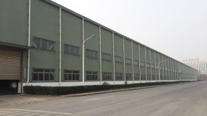 Prefabricated Light Steel Structure Warehouse with Crane pictures & photos