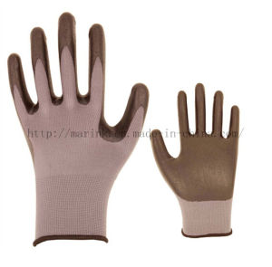 Polyester Shell Nitrile Coated Saftey Work Gloves pictures & photos
