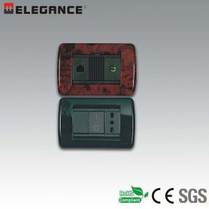 EV Series Factory Hot Sale Italian 3 Module Wall Switch pictures & photos