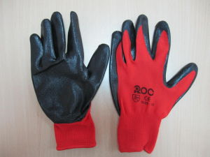 Black Nitrile Gloves pictures & photos