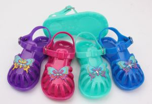 Girl′s Glass Shoes Slipper Jerry Sandals (KR336) pictures & photos