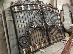 High Quality Hand-Forged Metal Entrance Gate pictures & photos