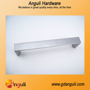 Zinc Alloy Pull, Furniture Hardware, Cabinet Handle pictures & photos