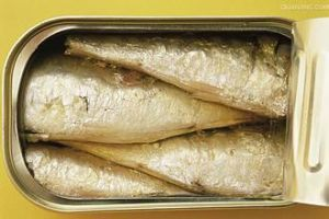 Halal 125g Canned Sardine in Vegetable Oil pictures & photos