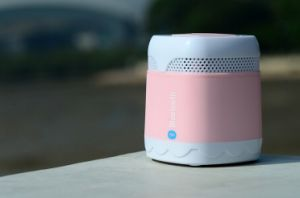 Rechargeable Portable Mini Wireless Bluetooth Speaker with TF Card Slot (OM-S15) pictures & photos