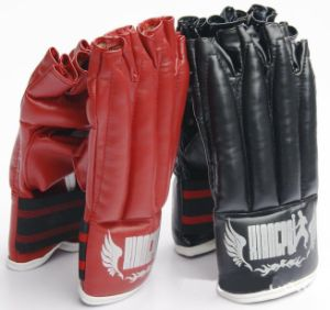 Excellent PU Boxing Glove Half Finger Professional Sanda Wrestle Glove pictures & photos