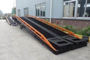 Heavy Load Mobile Hydraulic Yard Ramp pictures & photos