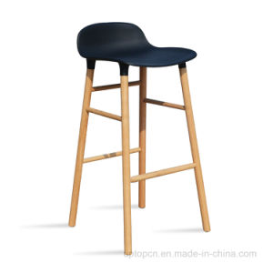 New Arrival Plastic Shell Wooden Leg Bar Stool (SP-UBC329) pictures & photos