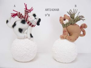 Cat and Dog Playing Snow Ball Christmas Decoration Pets pictures & photos